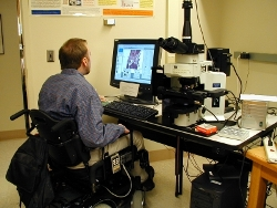 A Quadriplegic Scientist Using AccessScope