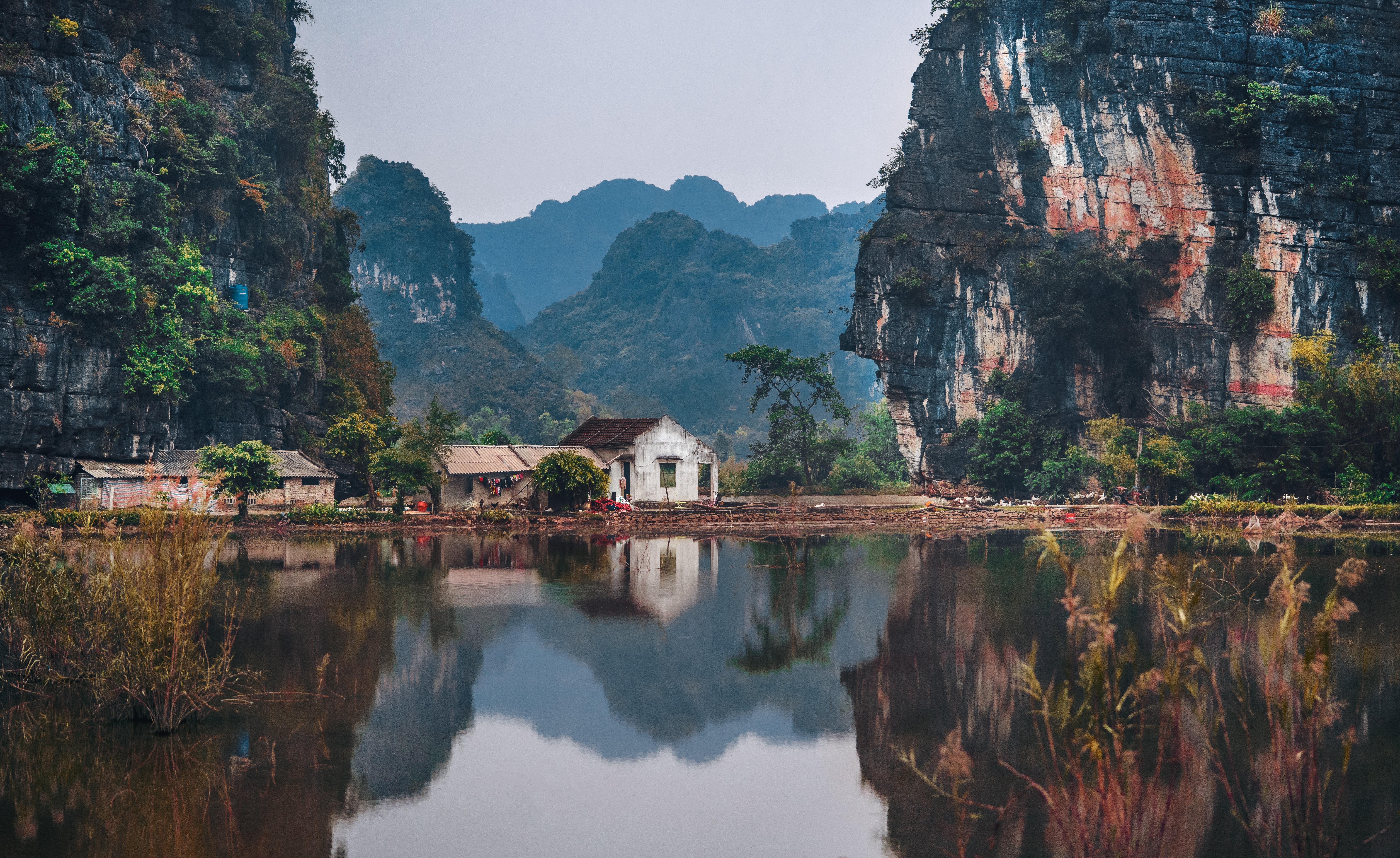 Ninh Bình, Vietnam Photo by Ruslan Bardash on Unsplash